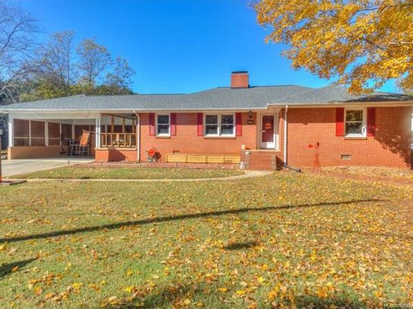 2 bed 2 bath Single Family at 204 HILLCREST DR HUNTERSVILLE, NC, 28078 is for sale at 250k - 1 of 24