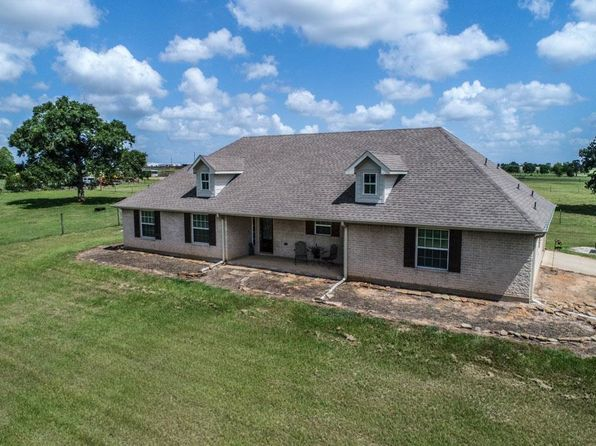 3 bed 2 bath Single Family at 32159 Two Creek Xing Hempstead, TX, 77445 is for sale at 469k - 1 of 32