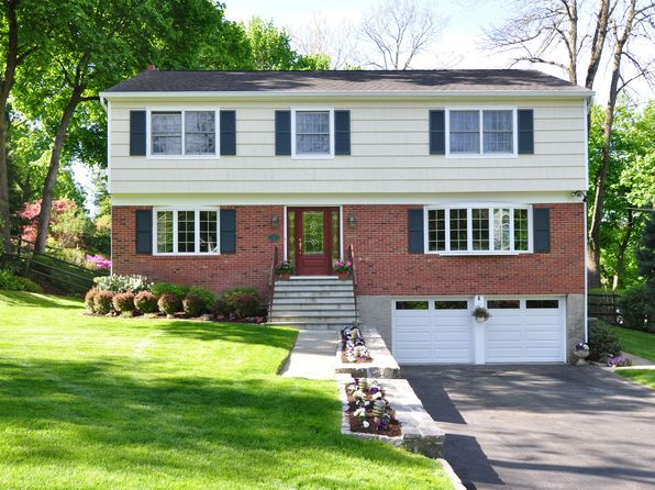 5 bed 4 bath Single Family at 4 Meadow Brook Rd Irvington, NY, 10533 is for sale at 1.50m - 1 of 29