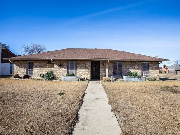 3 bed 2 bath Single Family at 1911 MARY LN CARROLLTON, TX, 75006 is for sale at 235k - 1 of 29