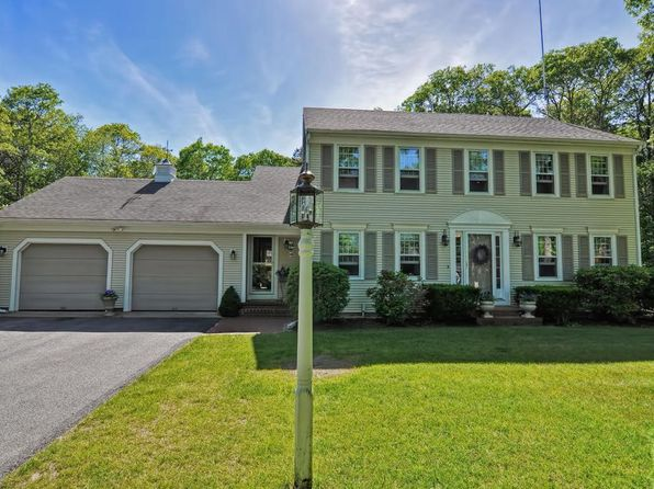 3 bed 3 bath Single Family at 15 Widow Coombs Walk Sandwich, MA, 02563 is for sale at 485k - 1 of 29
