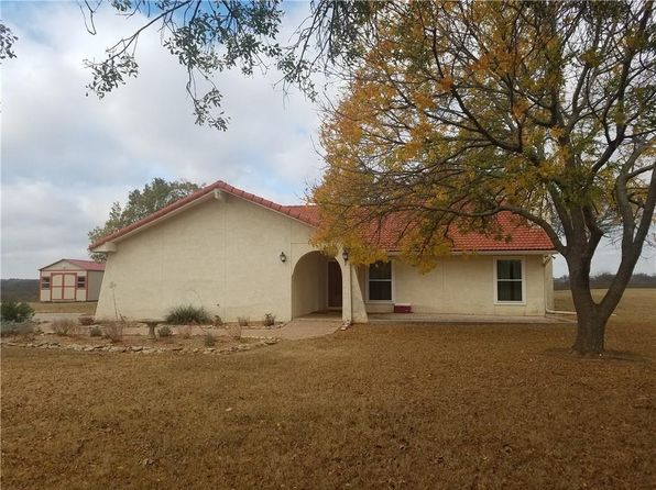3 bed 2 bath Single Family at 10570 Sky Ln Sanger, TX, 76266 is for sale at 325k - 1 of 31