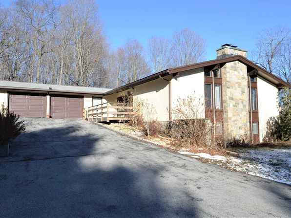 3 bed 3 bath Single Family at 4 Contour Ln Salt Point, NY, 12578 is for sale at 280k - 1 of 18