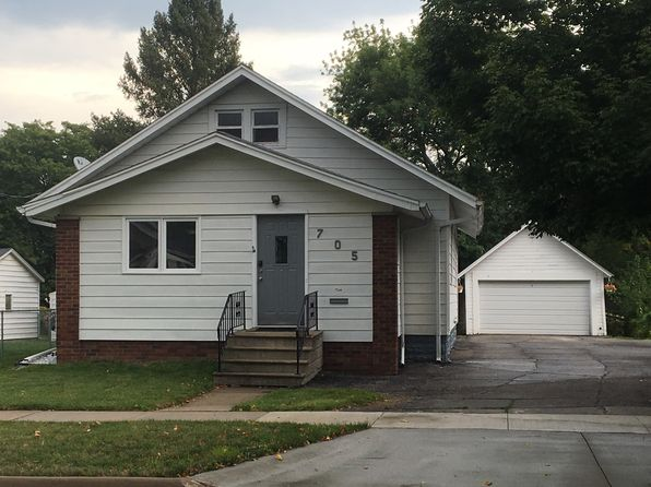 2 bed 1 bath Single Family at 705 Hammond Ave Waterloo, IA, 50702 is for sale at 105k - 1 of 7