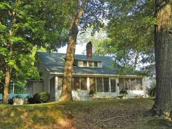 3 bed 3 bath Single Family at 130 Church St Savannah, TN, 38372 is for sale at 183k - 1 of 22