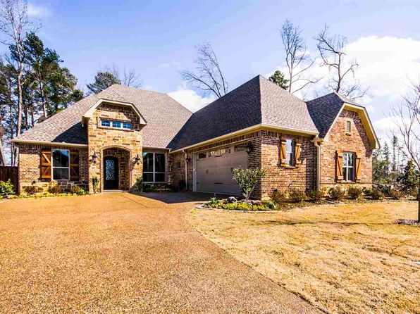 4 bed 3 bath Single Family at 1602 SAN AUGUSTINE LN LONGVIEW, TX, 75604 is for sale at 418k - 1 of 25