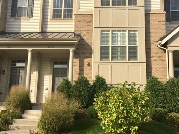 3 bed 3 bath Townhouse at 1920 Dauntless Dr Glenview, IL, 60026 is for sale at 590k - 1 of 11