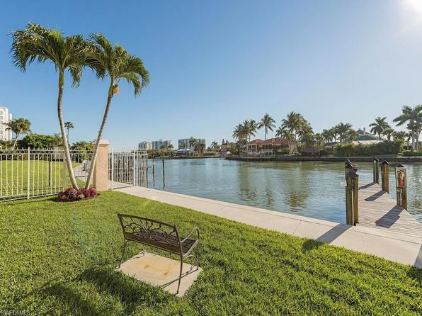 3 bed 2 bath Condo at 10686 Gulf Shore Dr Naples, FL, 34108 is for sale at 570k - 1 of 40