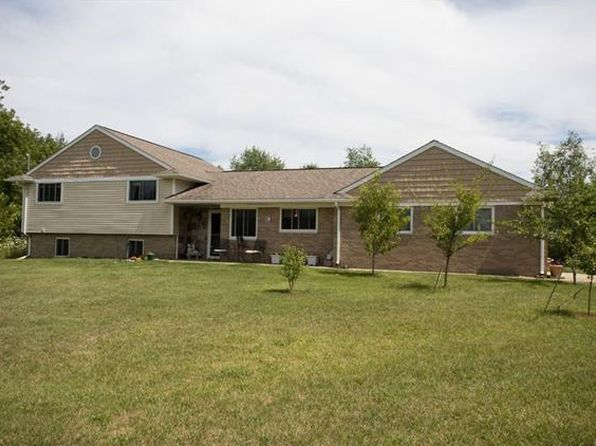 5 bed 3 bath Single Family at 8620 Joey Dr Pinckney, MI, 48169 is for sale at 245k - 1 of 27