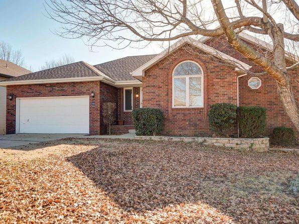 5 bed 3 bath Single Family at 2298 W Arlington St Springfield, MO, 65810 is for sale at 220k - 1 of 35