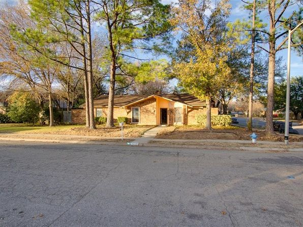 4 bed 2 bath Single Family at 3229 Broken Arrow Rd Denton, TX, 76209 is for sale at 274k - 1 of 27