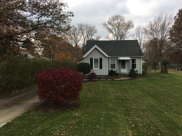 3 bed 1 bath Single Family at 7526 Macedonia Rd Bedford, OH, 44146 is for sale at 118k - 1 of 11
