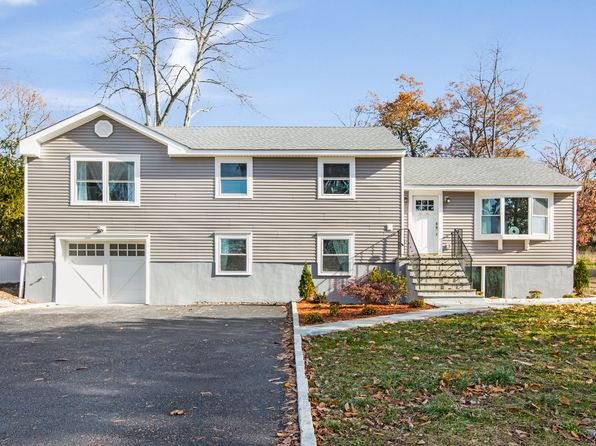 4 bed 3 bath Single Family at 3800 Eleanor Dr Mohegan Lake, NY, 10547 is for sale at 569k - 1 of 17
