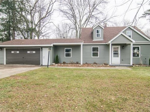 3 bed 1 bath Single Family at 18650 Loveland St Livonia, MI, 48152 is for sale at 225k - 1 of 44