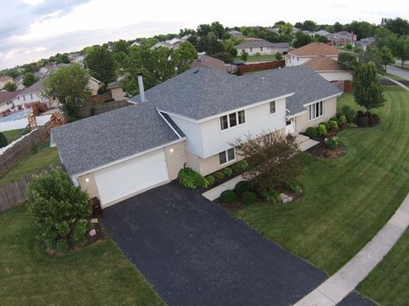 4 bed 2 bath Single Family at 1842 Cornell Dr New Lenox, IL, 60451 is for sale at 285k - 1 of 32