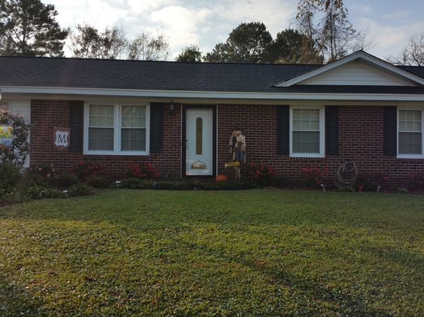 3 bed 1 bath Single Family at 108 Linville Dr Castle Hayne, NC, 28429 is for sale at 156k - 1 of 8