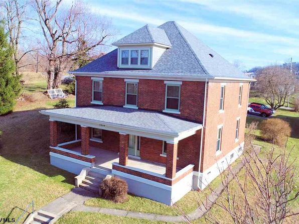 4 bed 2 bath Single Family at 1010 W PIKE ST CLARKSBURG, WV, 26301 is for sale at 197k - 1 of 20