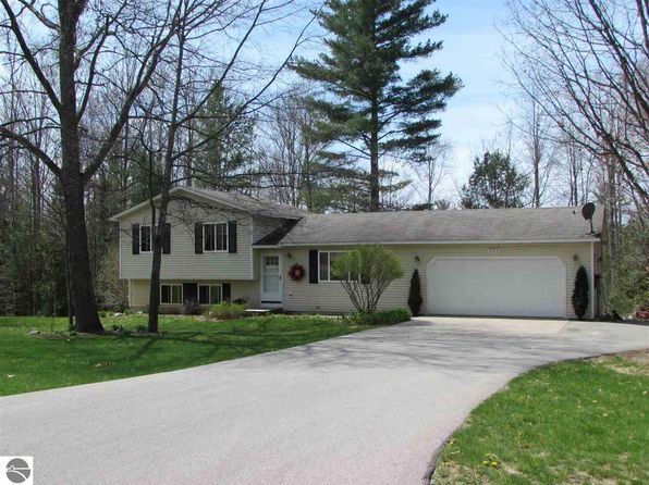 3 bed 2 bath Single Family at 2314 Griner Pkwy Interlochen, MI, 49643 is for sale at 190k - 1 of 41