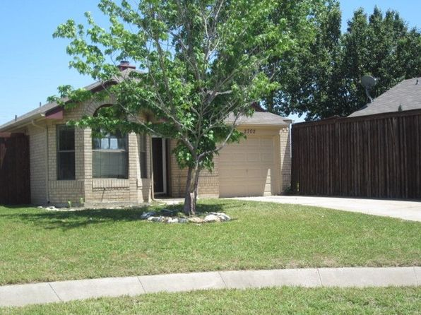 3 bed 2 bath Single Family at 2702 Game Lake Dr Irving, TX, 75060 is for sale at 170k - 1 of 11