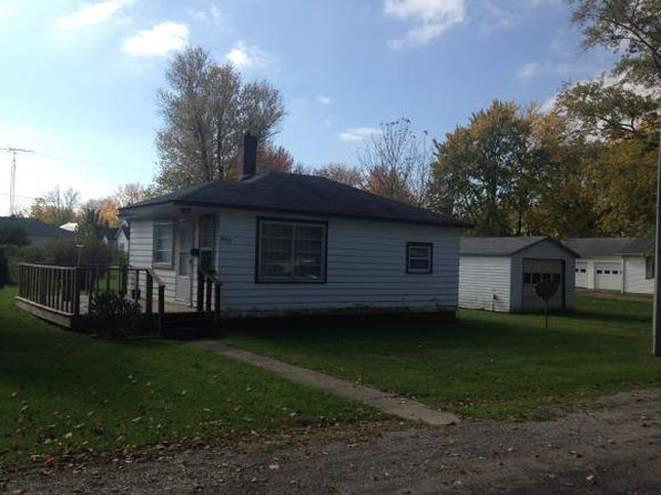 1 bed 1 bath Single Family at 809 Cedar St Marshall, IL, 62441 is for sale at 30k - 1 of 6