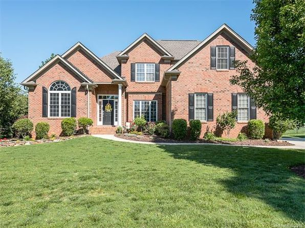 4 bed 3 bath Single Family at 5012 Shannamara Dr Matthews, NC, 28104 is for sale at 355k - 1 of 24