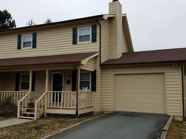 3 bed 2 bath Townhouse at 194 Carriage Lamp Ct Boone, NC, 28607 is for sale at 174k - 1 of 13