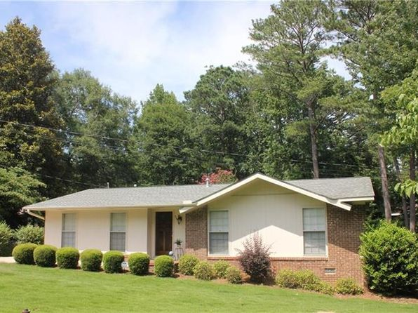 3 bed 2 bath Single Family at 654 Thorpe St Auburn, AL, 36830 is for sale at 175k - 1 of 22