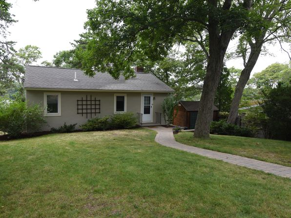 2 bed 1 bath Single Family at 119 A LAKE SHORE DR FALMOUTH, MA, 02536 is for sale at 329k - 1 of 19