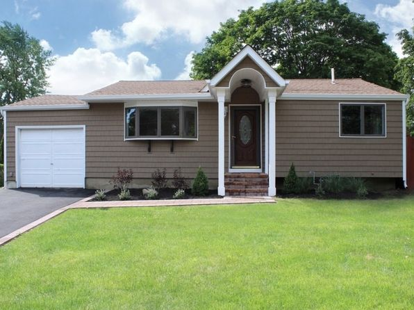 3 bed 1 bath Single Family at 1030 Karshick St Bohemia, NY, 11716 is for sale at 349k - 1 of 21
