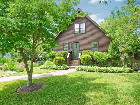 1 bed 2 bath Single Family at 413 Felucca Ave Jamestown, RI, 02835 is for sale at 369k - 1 of 21