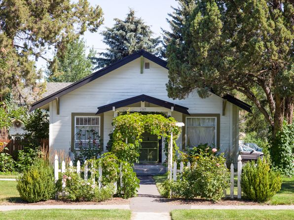 3 bed 1 bath Single Family at 1307 SW Evergreen Ave Redmond, OR, 97756 is for sale at 299k - 1 of 16