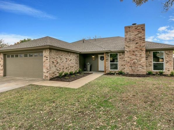 3 bed 2 bath Single Family at 1129 Parkhill Ave Saginaw, TX, 76179 is for sale at 180k - 1 of 27
