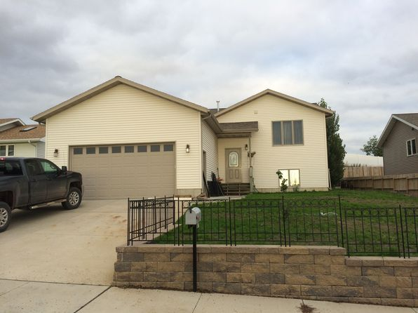 4 bed 3 bath Single Family at 1585 4th Ave E Dickinson, ND, 58601 is for sale at 298k - google static map
