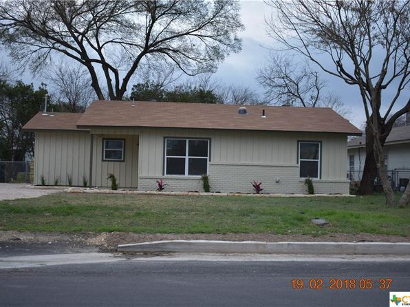 3 bed 1 bath Single Family at 123 W MERRIWEATHER ST NEW BRAUNFELS, TX, 78130 is for sale at 190k - 1 of 2