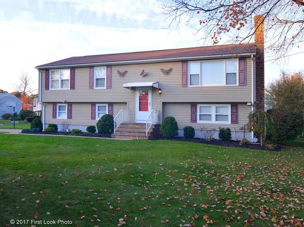 3 bed 3 bath Single Family at 27 Salina Ave Johnston, RI, 02919 is for sale at 280k - 1 of 34