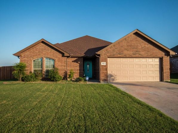 3 bed 2 bath Single Family at 812 CARMEN ANA ST GRANDVIEW, TX, 76050 is for sale at 198k - 1 of 25