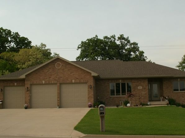 4 bed 4 bath Single Family at 613 7th Ave SW Dyersville, IA, 52040 is for sale at 319k - 1 of 25