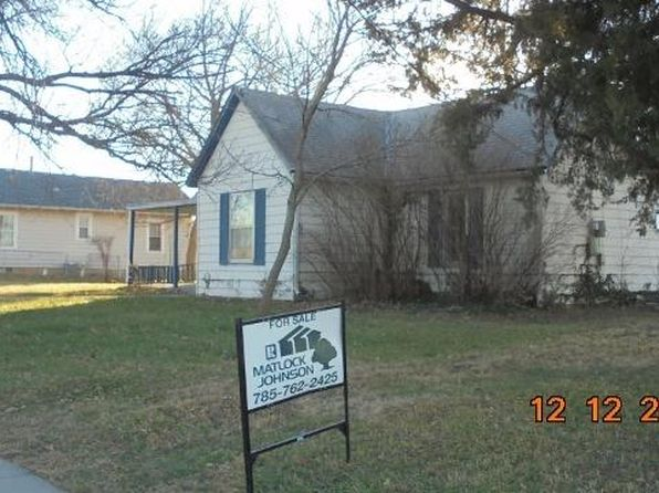 2 bed 1 bath Single Family at 407 GROVE ST WAKEFIELD, KS, 67487 is for sale at 25k - 1 of 6