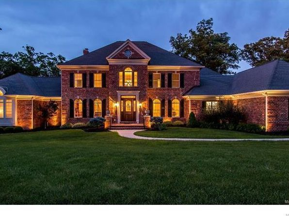 5 bed 7 bath Single Family at 32 GRAND MERIDIEN FRST CHESTERFIELD, MO, 63005 is for sale at 1.65m - 1 of 73