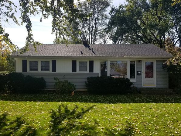 3 bed 1 bath Single Family at 717 Belshire Dr Hartland, WI, 53029 is for sale at 230k - 1 of 17