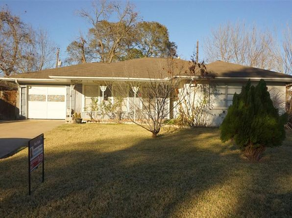 3 bed 1 bath Single Family at 6826 Sharpcrest St Houston, TX, 77074 is for sale at 165k - 1 of 14