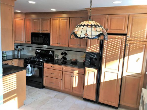 2 bed 1 bath Cooperative at 15753 17th Rd Whitestone, NY, 11357 is for sale at 335k - 1 of 11