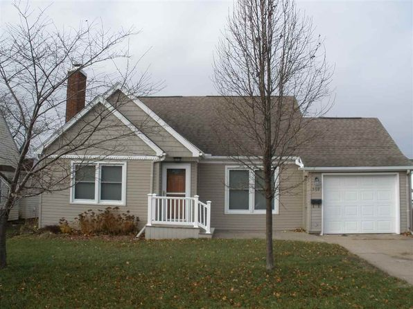 4 bed 2 bath Single Family at 509 S Henry St Geneseo, IL, 61254 is for sale at 160k - 1 of 21