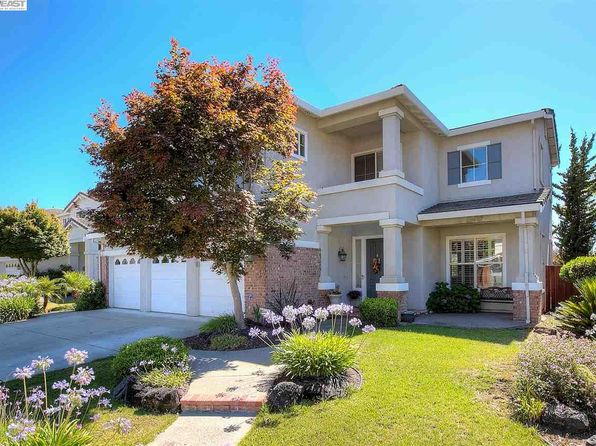 4 bed 4 bath Single Family at 25179 Century Oaks Cir Castro Valley, CA, 94552 is for sale at 1.23m - 1 of 24