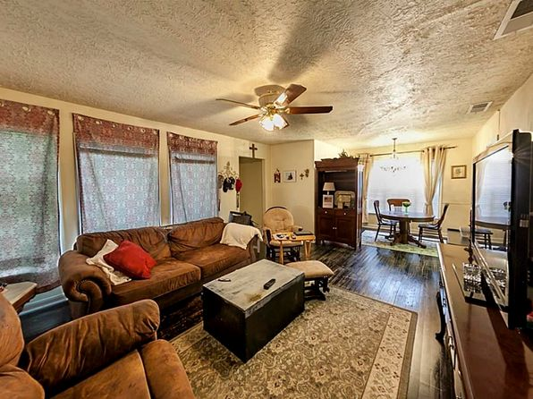 3 bed 1 bath Single Family at 6205 S Rice Ave Bellaire, TX, 77401 is for sale at 395k - 1 of 13