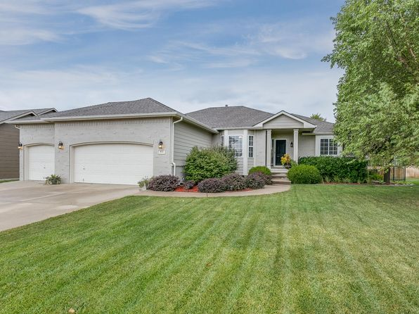 5 bed 3 bath Single Family at 832 N Bedford Ct Wichita, KS, 67206 is for sale at 278k - 1 of 29