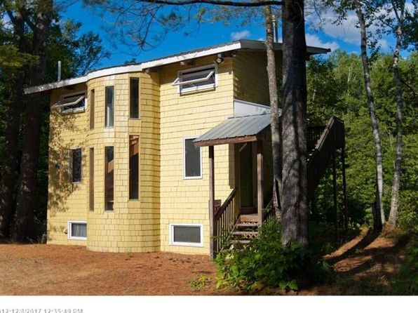 3 bed 2 bath Single Family at 1005 LITTLE POPLAR STRM CARRABASSETT VALLEY, ME, 04947 is for sale at 185k - 1 of 21