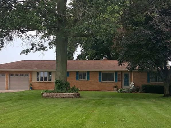 3 bed 3 bath Single Family at 808 Gregden Shores Dr Sterling, IL, 61081 is for sale at 279k - 1 of 8