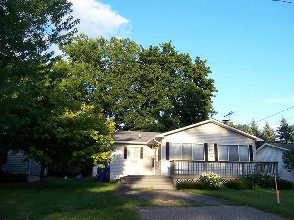 2 bed 1 bath Single Family at 121 Flora Houghton Lake, MI, 48629 is for sale at 80k - 1 of 25