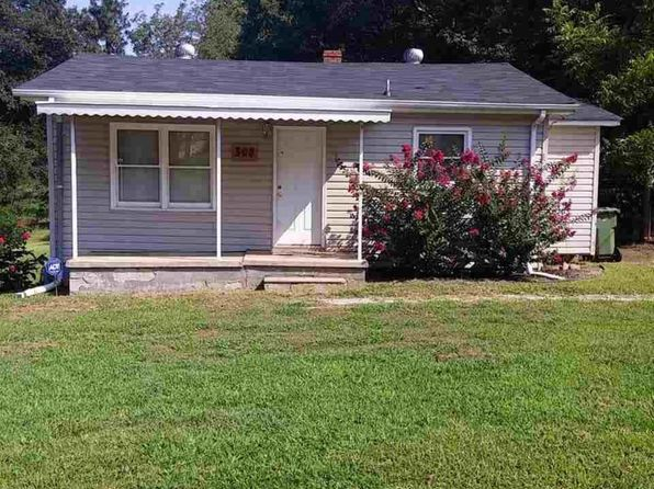 2 bed 1 bath Single Family at 308 Buncombe St Greer, SC, 29650 is for sale at 65k - 1 of 9